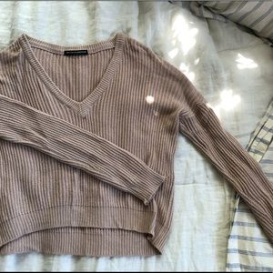 Brandy Melville Cropped Sweater 🦋